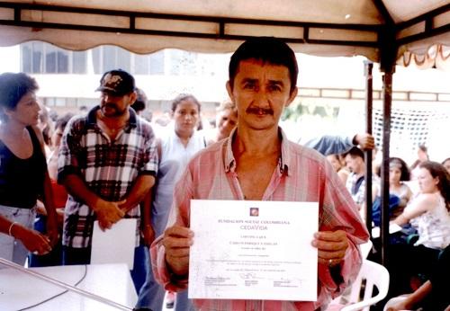 Carlos Enrique Vanegas, participante en el taller enfocado a la generación de empleo e ingresos para familias desplazadas por el conflicto armado.